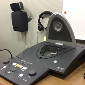 1週間に最低1度、補聴器の調整と聞き取りトレーニング